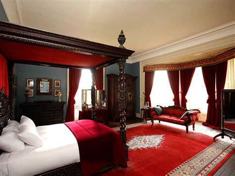 Red Bedrooms : 10 Most Popular Master Bedroom Designs For 2014
