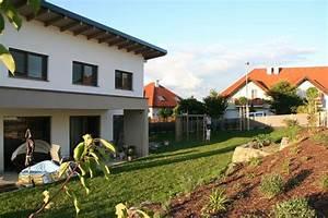 Graue Fassade Weiße Fenster : dach farbe anthrazit fenster grau aluminium bauforum auf ~ Markanthonyermac.com Haus und Dekorationen