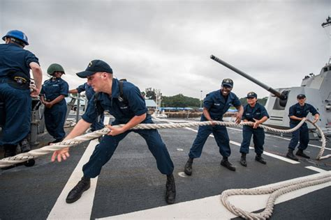 Boatswain Jobs Uk by Navy Jobs At A Glance Military