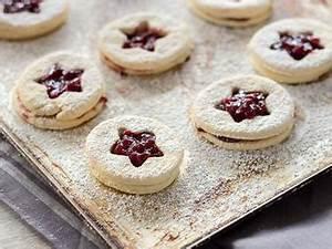Kekse Mit Marmelade : s e spitzbuben pl tzchen mit marmelade ~ Markanthonyermac.com Haus und Dekorationen