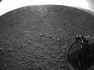 New Mars Photos From NASA's Curiosity Rover Landing