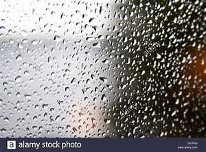 Nasse Fenster über Nacht : windows stockfotos windows bilder alamy ~ Markanthonyermac.com Haus und Dekorationen