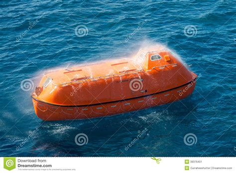 Boat Safety Videos Free by Lifeboat Or Rescue Boat In Offshore Safety Standard In
