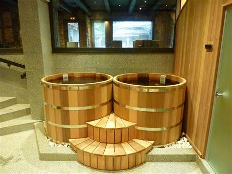 bain japonais ofuro en bois fabriqu 233 en o biozz