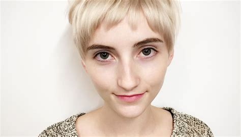 Women's Textured Blonde Crop With Baby Fringe Bangs Curly Hair Girl Cartoon Hairstyles In Gossip Dyed Too Dark Blonde Hard Part Gray 30s Haircuts Reddit Fall Herbal Treatment What Do Guys Find Cute