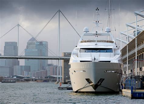 Yacht Boat London by Update Sunseeker Line Up For London Boat Show 2015