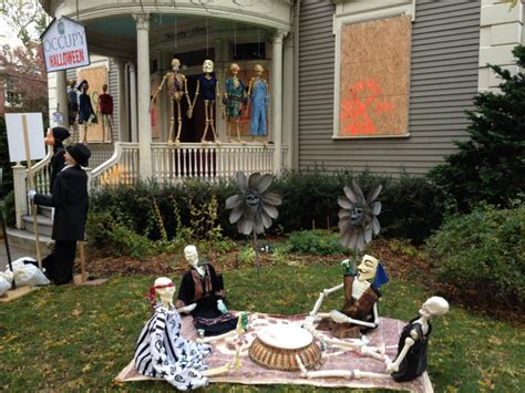 Frightful And Spooky Halloween Decorations