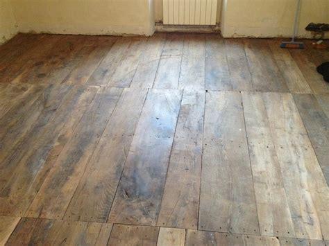 plancher ancien en ch 194 taignier lames larges antiquaire d 233 corateur du b 226 timent jean 31