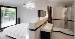 une suite parentale tout en un avec salle d eau ouverte sur la chambre le la lumi 232 re