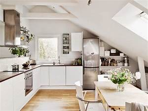 Küche In Dachschräge : die besten 20 k che dachschr ge ideen auf pinterest k cheneinrichtung dachschr ge ~ Markanthonyermac.com Haus und Dekorationen