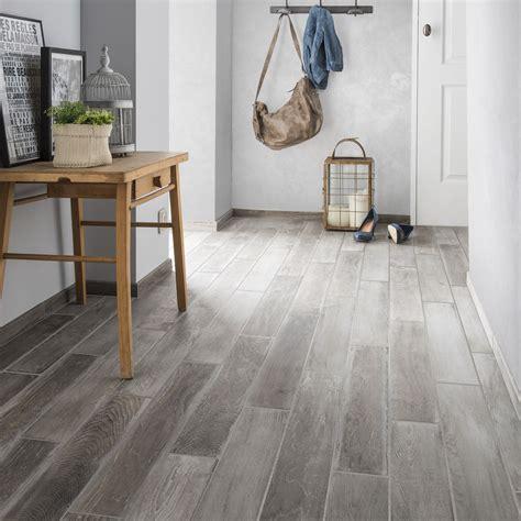 carrelage sol et mur gris clair effet bois lousiane l 10 x l 70 cm leroy merlin