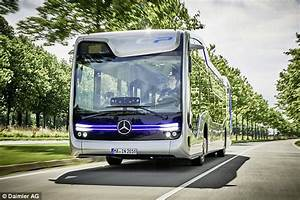 Berlin Mannheim Bus : mercedes benz unveils self driving coach hailed as the 39 future of public transport 39 daily mail ~ Markanthonyermac.com Haus und Dekorationen