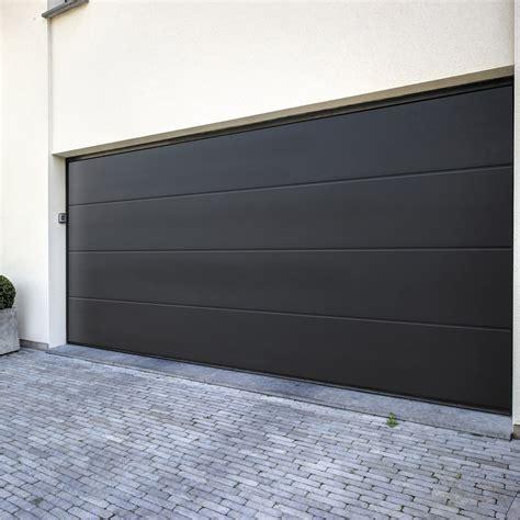 pose d une porte de garage sectionnelle 200x300cm leroy merlin