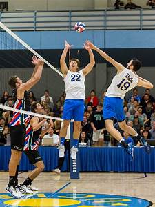 Men's volleyball falls to Hawai'i in close four-set match ...