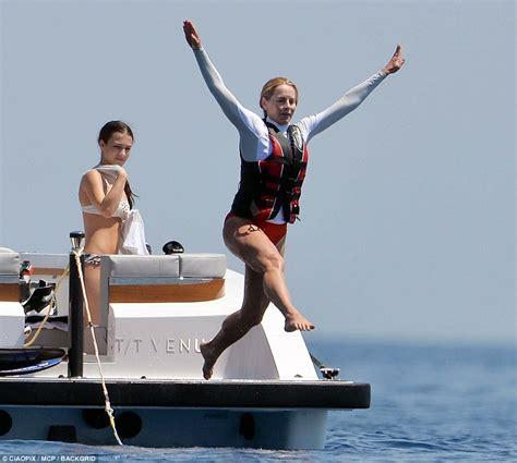 Steve Jobs Boat by Steve Jobs Widow Enjoys Yacht Vacation With Their Kids