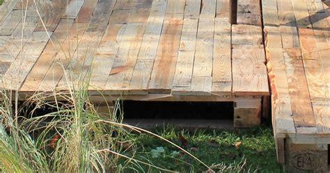 nivrem construire terrasse bois palette diverses id 233 es de conception de patio en bois