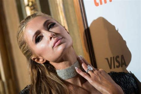 Paris Hilton Is Keeping Her $2 Million Engagement Ring. Round Metal Coffee Table. Corner Desk Overstock. Best Adjustable Desk. South Shore Craft Table. Desk Dots. L Shaped Peninsula Desk. Desk With Compartments. Building Drawer Fronts