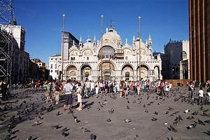 St Mark's Square - Venice Pictures