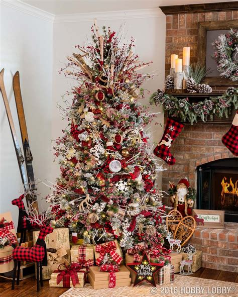 30 Most Amazing Christmas Decorated Trees For Some Holiday