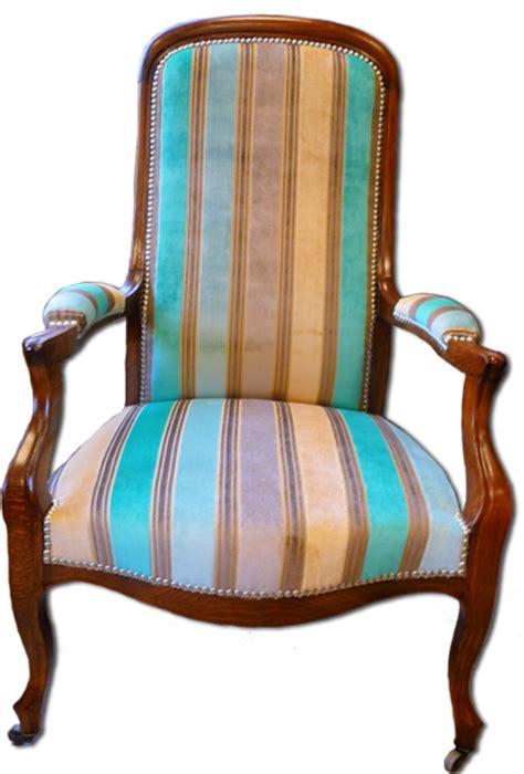 tapisserie ameublement et restauration mobilier le fauteuil voltaire tendance d 233 co