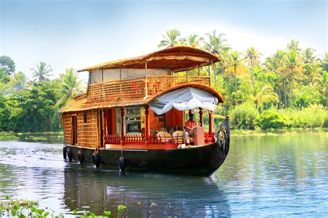 Houseboat In Hindi by Kerala Backwaters The Best Way To Explore Kerala S
