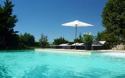 ermitage de corton hotel a beaune site officiel hotel restaurant avec piscine en bourgogne