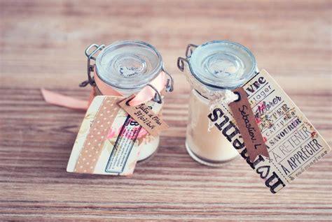 mariage pas cher cadeau invit 233 original bougies 9 la mari 233 e en col 232 re mariage grossesse