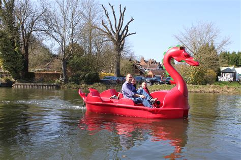 Dragon Boat Hire by Gallery Boat Hire Warwick Boat Hire
