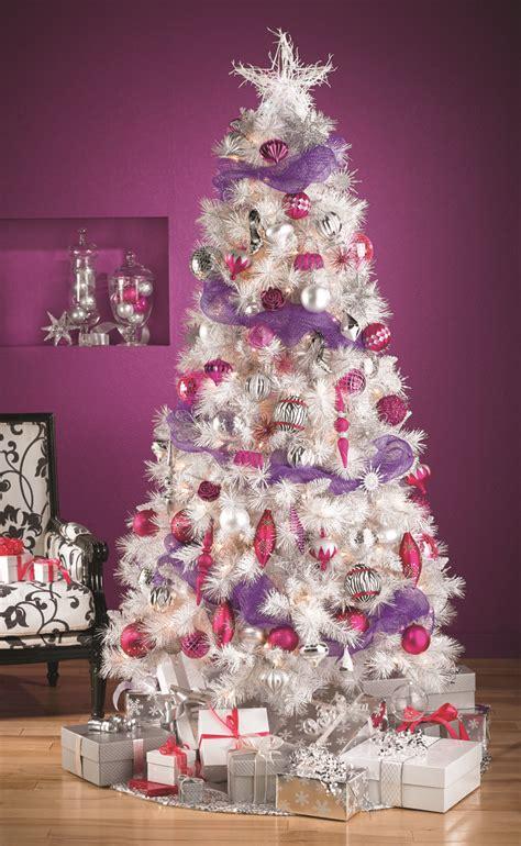 be unique go for the white tree this year soyez original optez pour le sapin de
