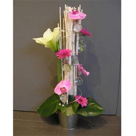 les 25 meilleures id 233 es de la cat 233 gorie compositions florales modernes sur