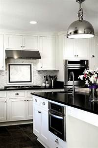 black and white kitchen Black And White Kitchens: Ideas, Photos, Inspirations