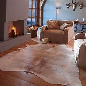 Teppich Auf Parkett : kuhfell teppich pasadena loberon coming home ~ Markanthonyermac.com Haus und Dekorationen