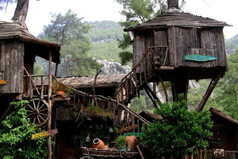 The Kadir Yörük Top Tree House Guest House. It's Very