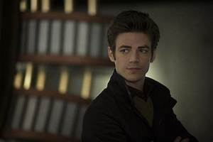 'The Flash' Season 1 Spoilers: Barry Tries To Stop The ...