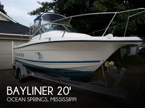 Trophy Ocean Boats by Sold Bayliner 2052 Trophy Boat In Ocean Springs Ms 061225
