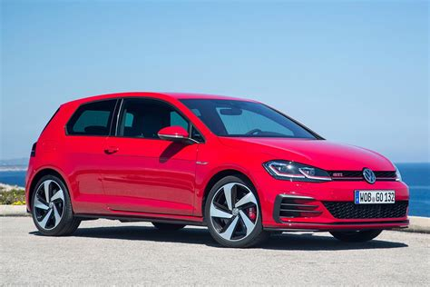 2017 volkswagen golf 7 5 range pricing and specifications revealed