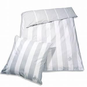 Bettwäsche Grau Weiß Gestreift : bettw sche grau wei gestreift zuhause unterwegs bett bad jetzt im fanshop bestellen ~ Markanthonyermac.com Haus und Dekorationen