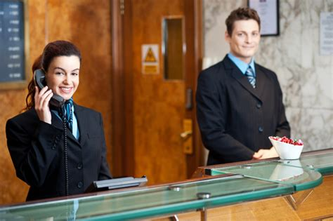 smart practices 3 managing the hotel front desk with cloud based reservation system