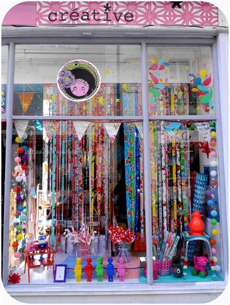 vitrine boutique paillette angers vente de v 234 tements de d 233 coration de papeterie de