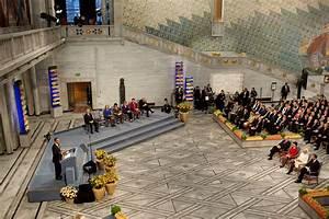 File:Barack Obama delivers remarks during the Nobel Peace ...