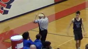 Referee loses toupee in H.S. basketball game - YouTube
