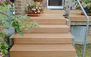Holztreppen Geländer Selber Bauen : design k chenutensilien hauseingang treppe holz ~ Markanthonyermac.com Haus und Dekorationen