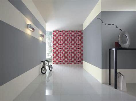 couleur peinture papier peint new beats de rasch dans le couloir deco battements