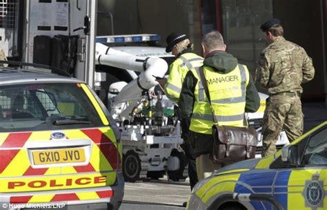 en bref info monde news info world bombes irlandais retour en grande bretagne les engins