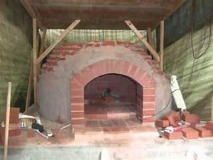 Lehmbackofen Selber Bauen : brotbackofen bauen building a breadbaking oven doovi ~ Markanthonyermac.com Haus und Dekorationen