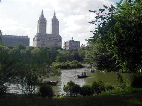 Roeien Central Park by Op Verschillende Plekken In Het Park Zijn Optredens Van