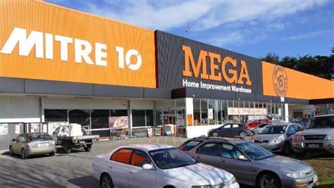 Invercargill Mitre 10 Mega Staff Strike Because Of Poor