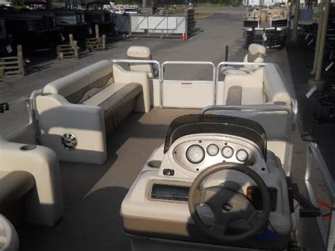 Pontoon Boats Tyler Tx by 2003 Sun Tracker Party Barge 240 Tyler Tx For Sale 75762