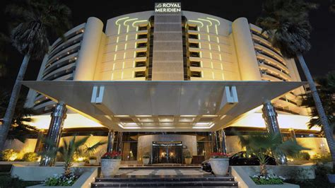 discovering dubai s luxurious hotel le royal meridien resort and spa