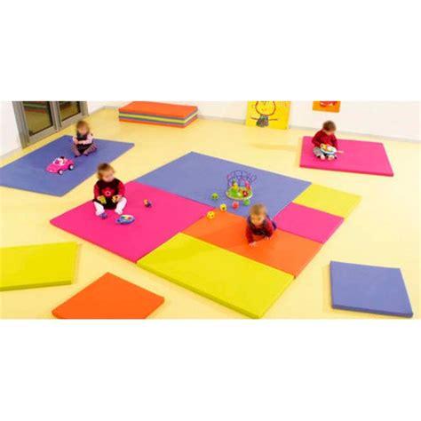 pin tapis enfant tapis de sol pour la chambre des enfants tapis b 233 b 233 on